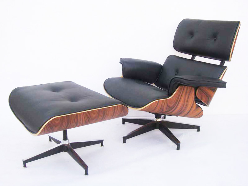 le confort d 39 un fauteuil lounge eames famous design. Black Bedroom Furniture Sets. Home Design Ideas