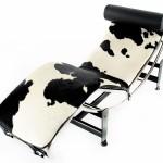 Chaise longue Le Corbusier LC4 en noir et blanc